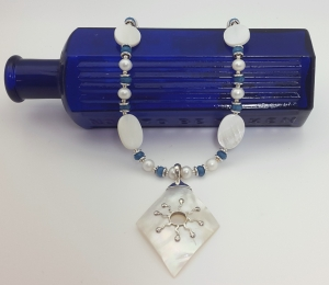 Mother of Pearl pendant with Pearls and dyed Quartz necklace 2